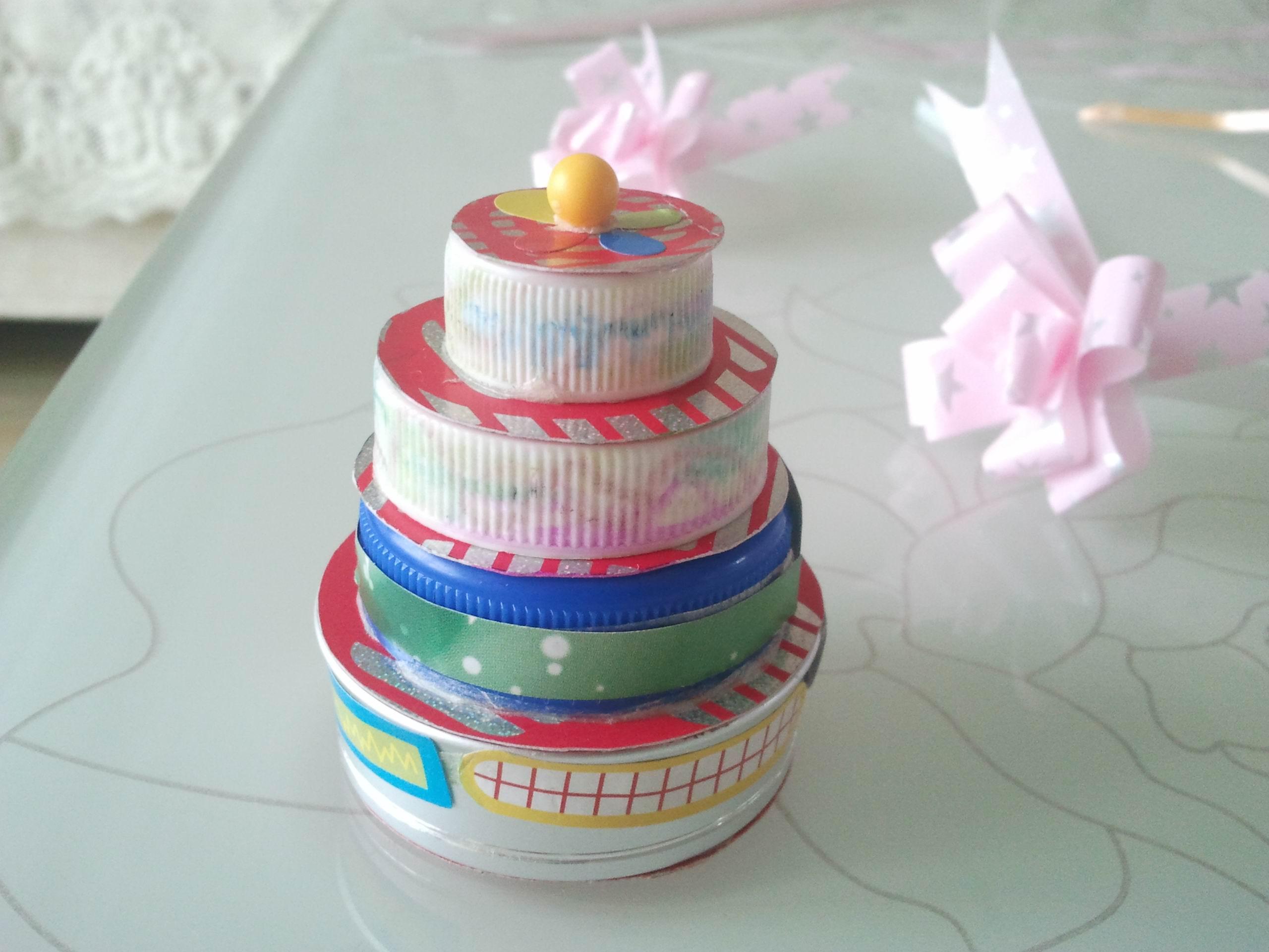 手工制作生日贺卡及生日蛋糕,为朋友送上祝福!